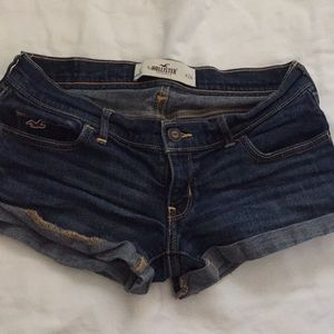 Hollister Low Rise Dark Wash Short Shorts Size 0